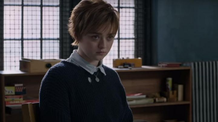 The sweater dark blue of Rahne Sinclair / Félina / Wolfsbane (Maisie Williams) in The new mutants - Movie Outfits and Products