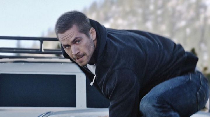 The sweatshirt hoody Brian O'conner (Paul Walker) in Fast and Furious 7 Movie