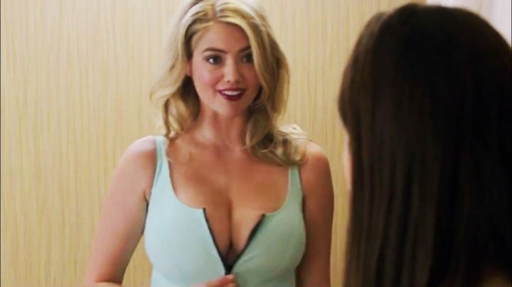 The swimsuit Meg (Kate Upton) in The Layover - Movie Outfits and Products