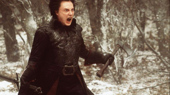 The sword and the axe of the headless Horseman (Christopher Walken) in Sleepy Hollow - Movie Outfits and Products