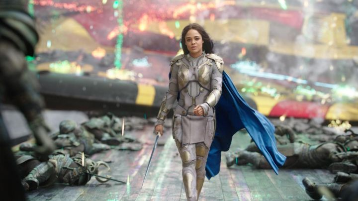 The sword and the dagger from Valkyrie (Tessa Thompson) in Thor : Ragnarok - Movie Outfits and Products