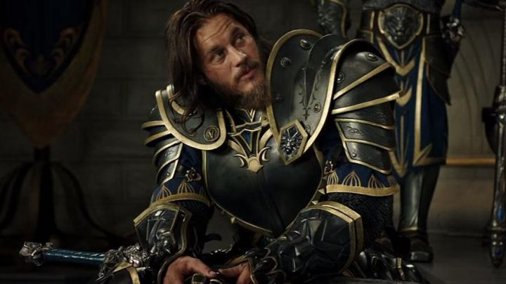 The sword of Anduin Lothar (Travis Fimmel) in the Warcraft : The beginning - Movie Outfits and Products