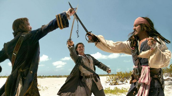 The sword of Jack Sparrow (Johnny Depp) in Pirates of the Caribbean : The Secret of the safe cursed movie