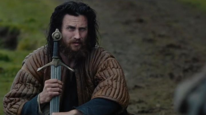 The sword of James Douglas (Aaron Taylor-Johnson) in Outlaw King : The King out-of-the-law Movie
