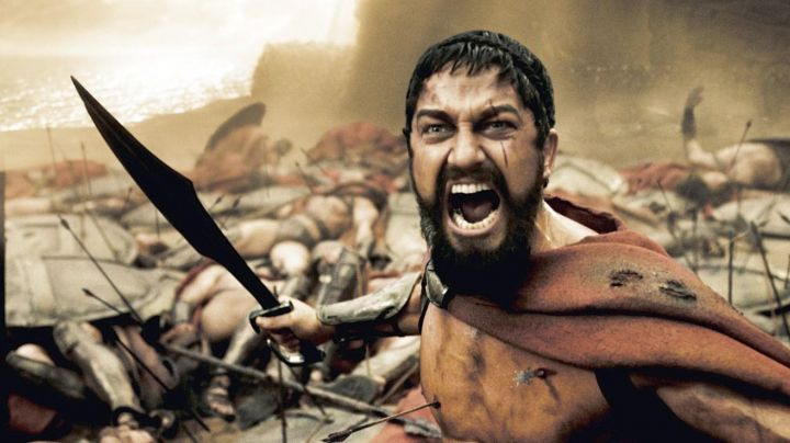 The sword of Leonidas (Gerard Butler) in 300 - Movie Outfits and Products