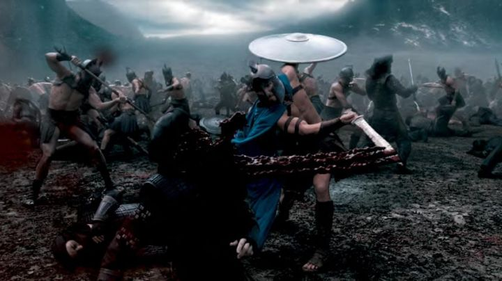 The sword of Themistocles (Sullivan Stapleton) in 300 birth of an Empire - Movie Outfits and Products