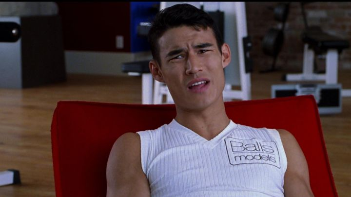 """Fashion Trends 2021: The t-shirt """"Balls Models"""" of Brint (Alexandre Manning) in Zoolander"""