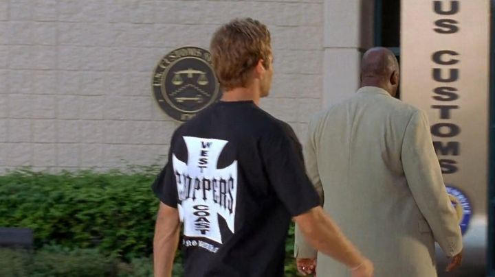"""The t-shirt """"Choppers"""" to Brian O'conner (Paul Walker) in Fast and Furious 2 movie"""