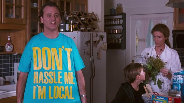 """Fashion Trends 2021: The t-shirt """"Don't Hassle Me I'm Local"""", Bob Wiley (Bill Murray) in What's new, Bob ?"""