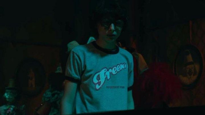 """Fashion Trends 2021: The t-shirt """"Freese's"""" - Richie / Richard Tozier (Finn Wolfhard) in It"""