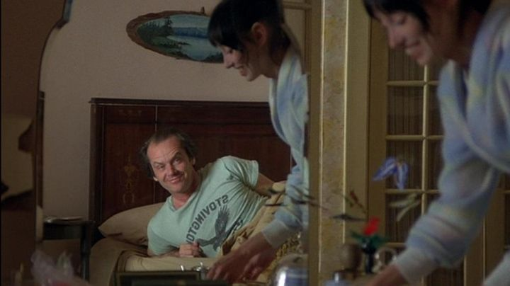 Fashion Trends 2021: The t-shirt Stovington Eagles of Jack Torrance (Jack Nicholson) in the Shining