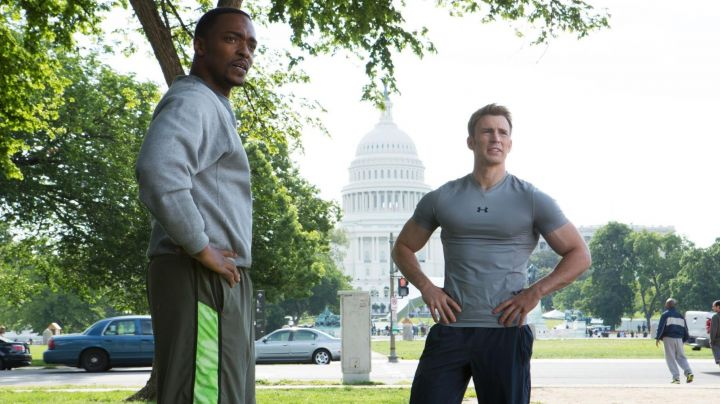 The t-shirt Under Armour Steve Rogers (Chris Evans) in Captain America : The Soldier winter movie