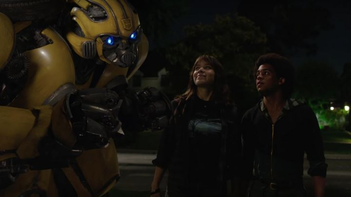 "The t-shirt ""landscape"" worn by Charlie Watson (Hailee Steinfeld) in Bumblebee movie"