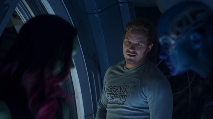Fashion Trends 2021: The t-shirt long-sleeve Star-Lord (Chris Pratt) in Guardians of the Galaxy 2