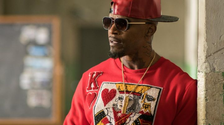 "The t-shirt red Heart King of Leon said ""Bats"" (Jamie Foxx) in Baby Driver"