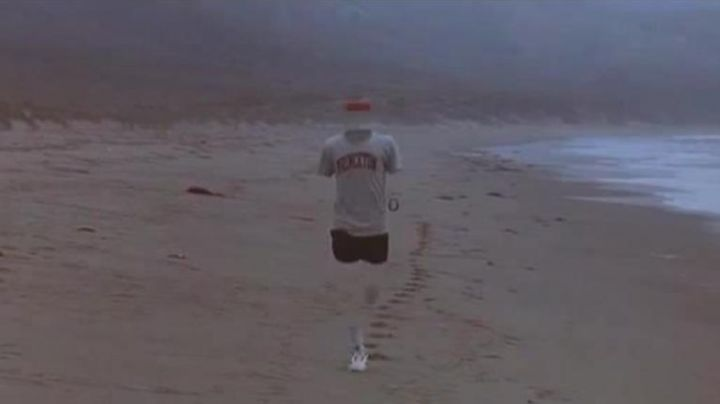 """Fashion Trends 2021: The t-shirt """"the Invisible Man"""" in the Adventures of the Invisible Man"""
