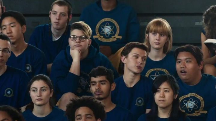 Fashion Trends 2021: The t-shirt worn by high school students, Midtown High School in Spider-Man : Homecoming