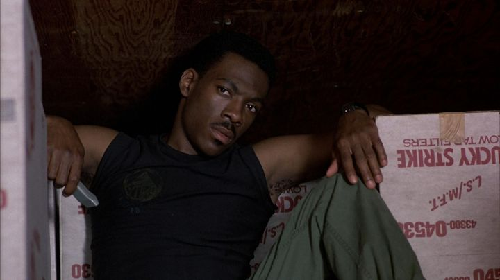 The tank top black Axel Foley (Eddie Murphy) in The Flic Beverly Hills - Movie Outfits and Products