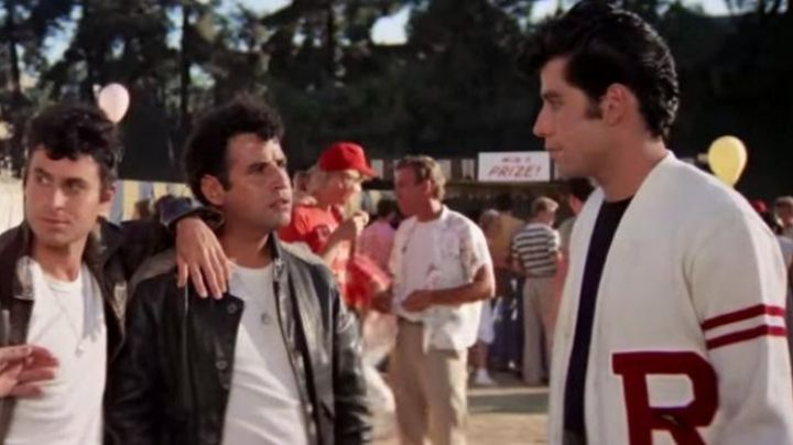Fashion Trends 2021: The teddy / the white jacket of Danny Zuco (with autograph John Travolta) in Grease