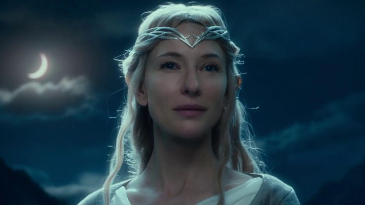 The tiara of Galadriel in the Lord of the rings - Movie Outfits and Products