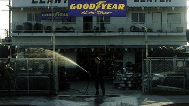 Fashion Trends 2021: The tire shop Goodyear in Fight Club