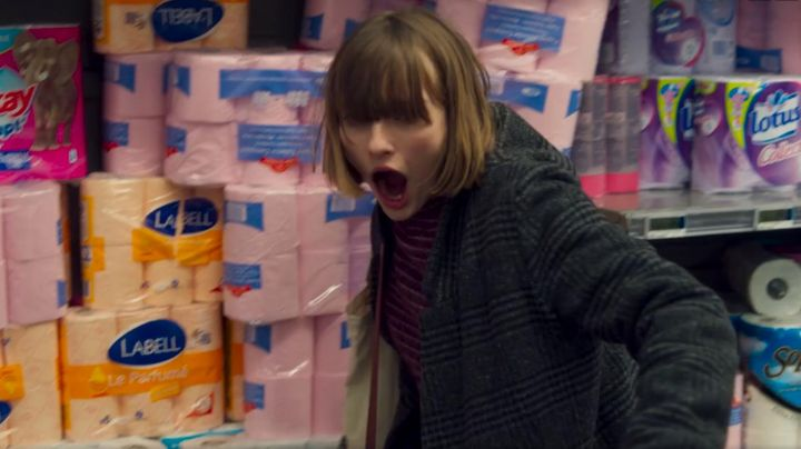 The toilet paper Lotus collection in the movie friend to Friend - Movie Outfits and Products