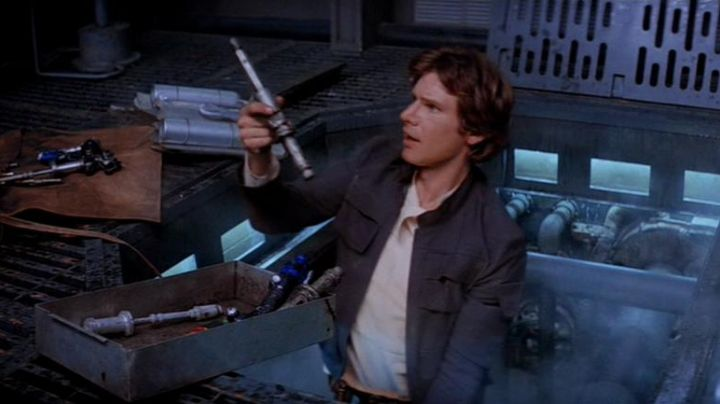 The tool hydrospanner in the Millennium Falcon in Star Wars V : The empire against attack - Movie Outfits and Products