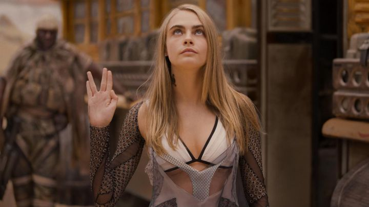 The top of Laureline (Cara Delevingne) in Valérian and the City of ten thousand planets - Movie Outfits and Products