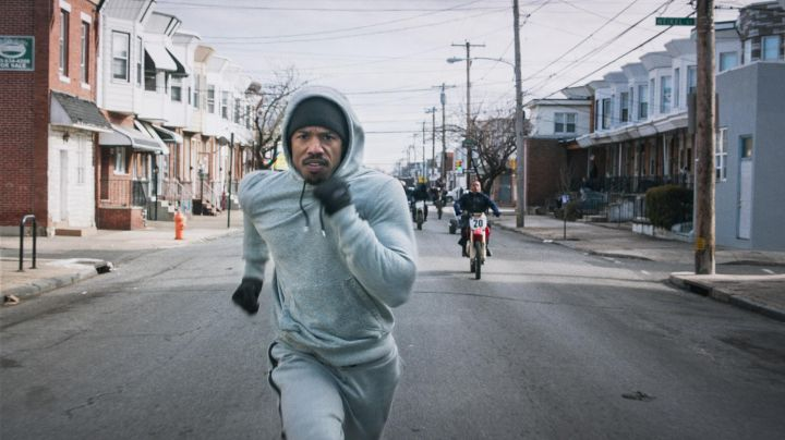 The tracksuit bottoms grey Adonis Johnson Creed (Michael B. Jordan) in Creed - Movie Outfits and Products