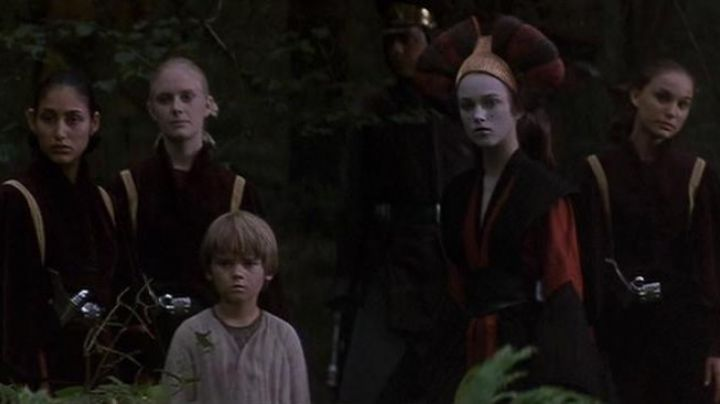 The tunic Sabé (Keira Knightley) in Star Wars 1 : The Phantom Menace - Movie Outfits and Products