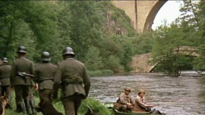 The two bridges of Pierre-Perthuis, Bourgogne in La Grande Vadrouille - Movie Outfits and Products