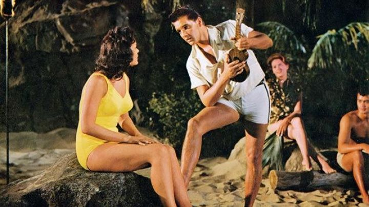 The ukulele of Chad Gates (Elvis Presley) in Under the blue sky of Hawaii (Blue Hawaii) - Movie Outfits and Products