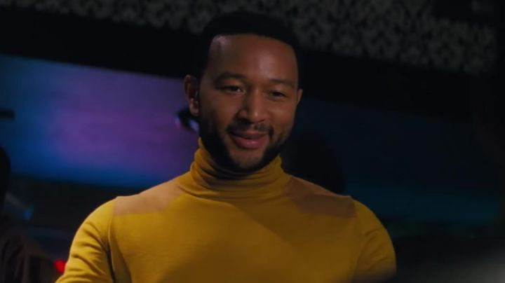 Fashion Trends 2021: The under-sweater mustard / yellow Keith (John Legend) in the The Land