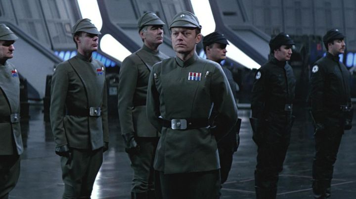 Fashion Trends 2021: The uniform of an imperial officer in Star Wars VI : return of The Jedi