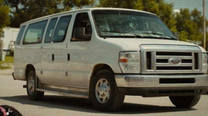 The van of Ford Jake (Shia LaBeouf) in American Honey movie