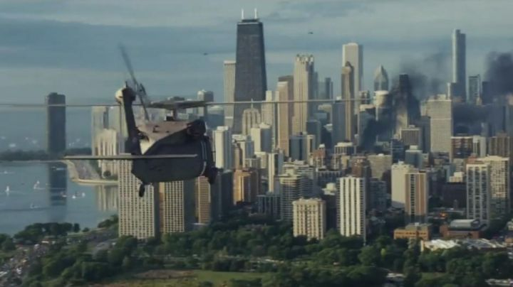 The view of Chicago in Rampage 2018 - Movie Outfits and Products