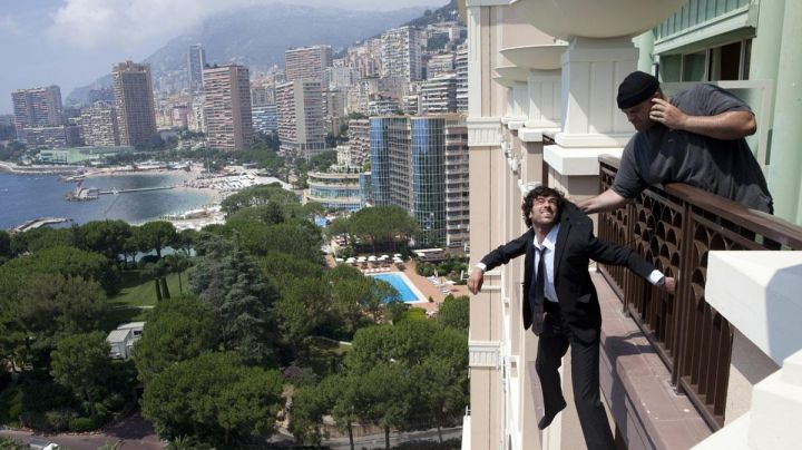 The view of Monaco in The Arnacoeur (Romain Duris) - Movie Outfits and Products