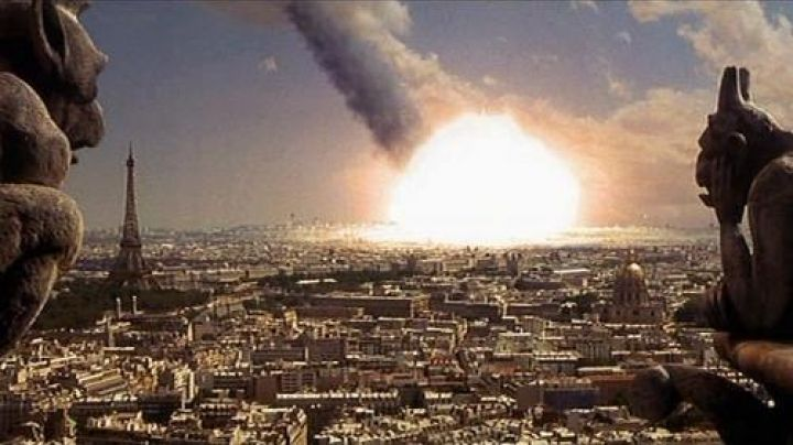 The view of Paris in Armageddon - Movie Outfits and Products
