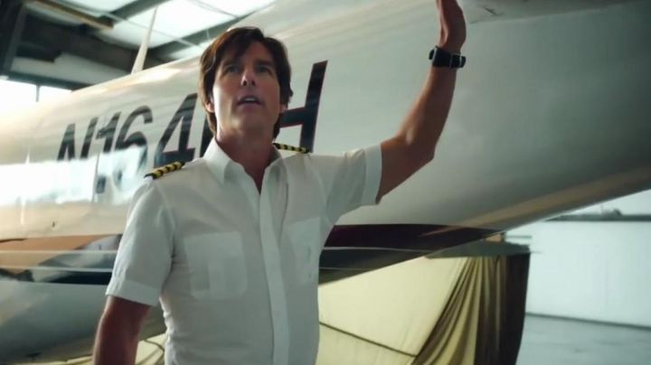 The vintage watch of Barry Seal (Tom Cruise) in the American Made - Movie Outfits and Products