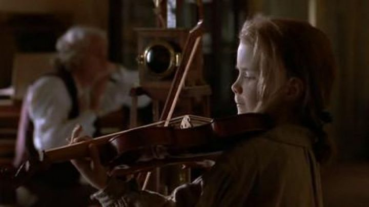 The violin preview in the movie The Red Violin - Movie Outfits and Products