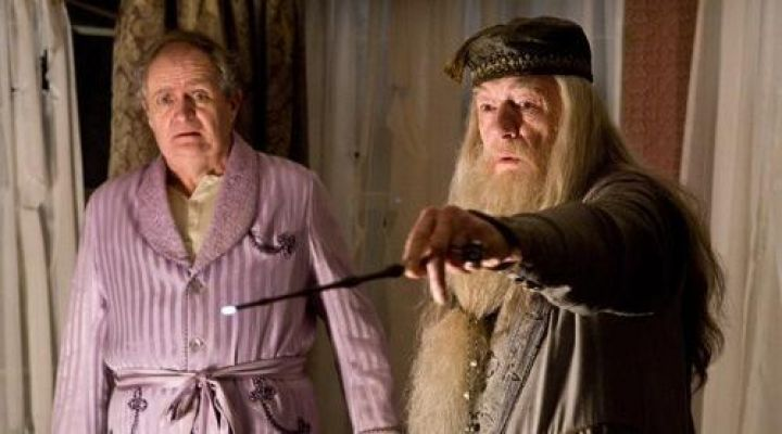 The wand of Albus Dumbledore (Michael Gambon) in Harry Potter and the blood prince-melé movie