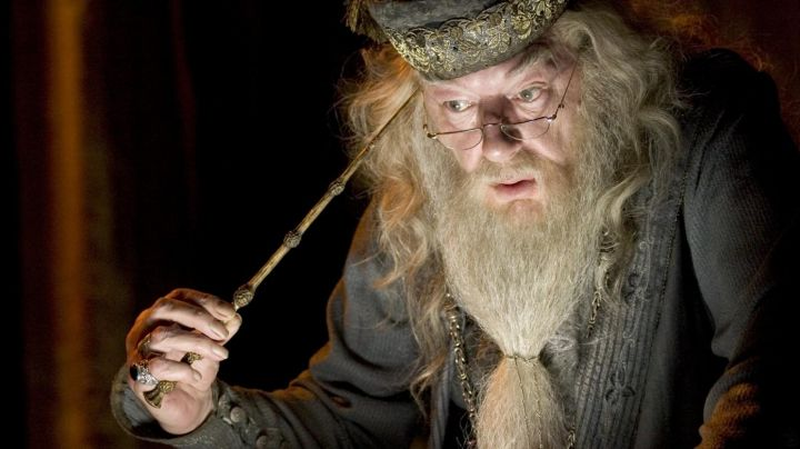 The wand of Dumbledore (Michael Gambon) in Harry Potter and the half-blood prince movie