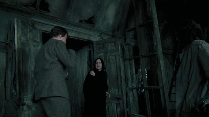 """The wand """"ollivander's"""" - Severus Rogue (Alan Rickman) in Harry Potter and the Prisoner of Azkaban - Movie Outfits and Products"""
