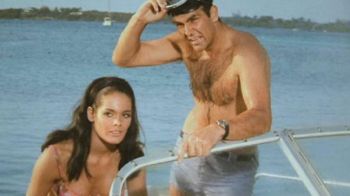 Fashion Trends 2021: The watch Breitling Top Time James Bond (Sean Connery) in Operation Thunder