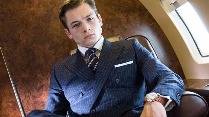 The watch Bremont BKM-RG of Eggsy Unwin (Taron Egerton) in Kingsman : the secret Service - Movie Outfits and Products