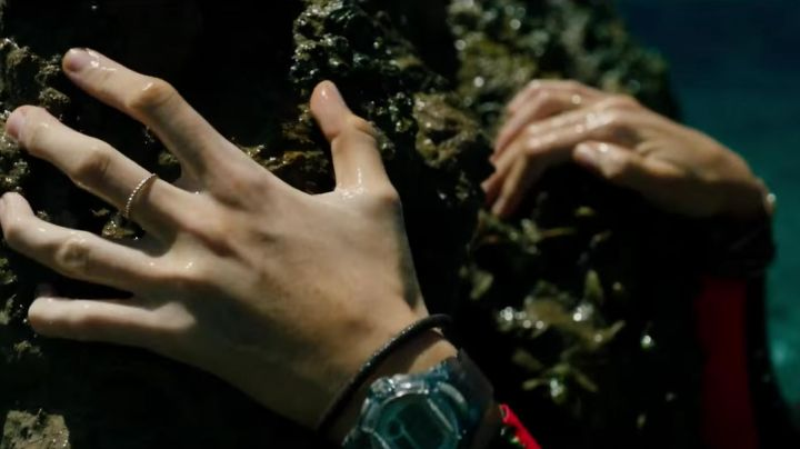 Fashion Trends 2021: The watch Casio Baby-G Blake Lively in The Shallows