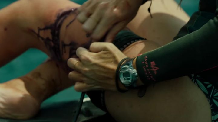 Fashion Trends 2021: The watch Casio G-Shock Blake Lively in The Shallows