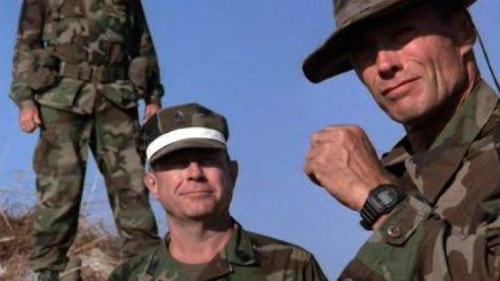 The watch Casio G-Shock DW-300 Tom Highway (Clint Eastwood) in The master of war - Movie Outfits and Products