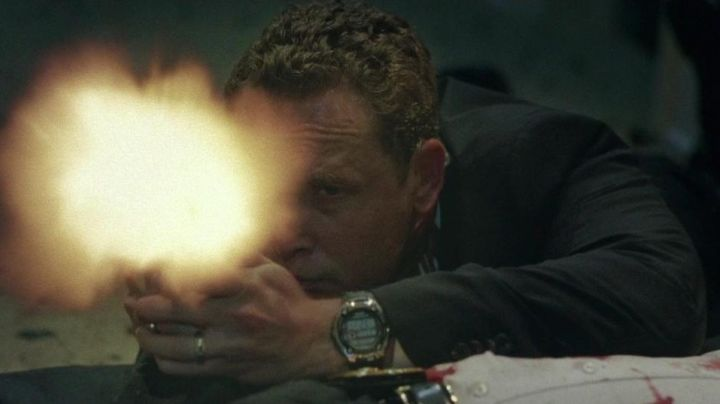Fashion Trends 2021: The watch Casio Wave Ceptor Cole Hauser in The fall of the White House