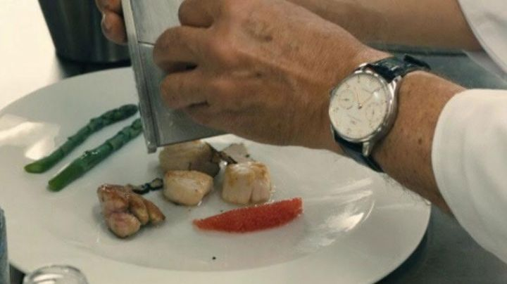 Fashion Trends 2021: The watch IWC Alexandre Lagarde (Jean Reno) in As a leader